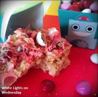 Oh So Sweet Krispie Treats & 17 Valentine's Day Ideas