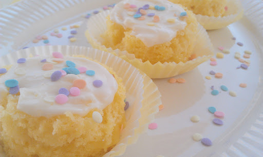 Lemon Champagne Mini Cakes