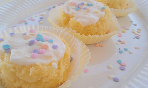 Lemon Champagne Mini Cakes