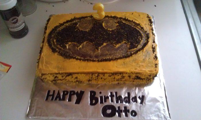 Batman Cake 4