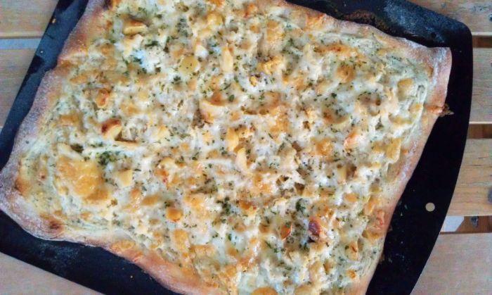 Roasted Garlic & Chicken Pizza 8