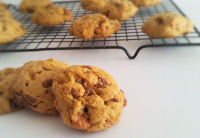 Pumpkin Butterfinger Cookies 4
