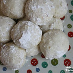 5-Ingredient Vanilla Almond Snowballs