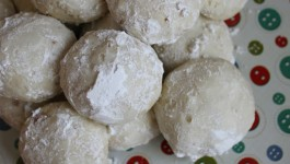 5-ingredientvanillaalmondsnowballs2