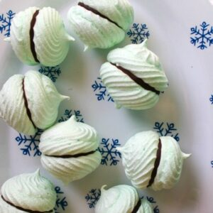 03 Mint Meringue Kisses