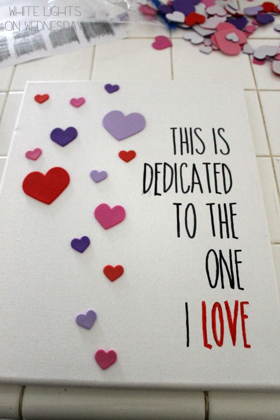Easy DIY Valentines Day Wall Art 7 DIY Valentines Day Wall Art   By Julie of White Lights On Wednesday
