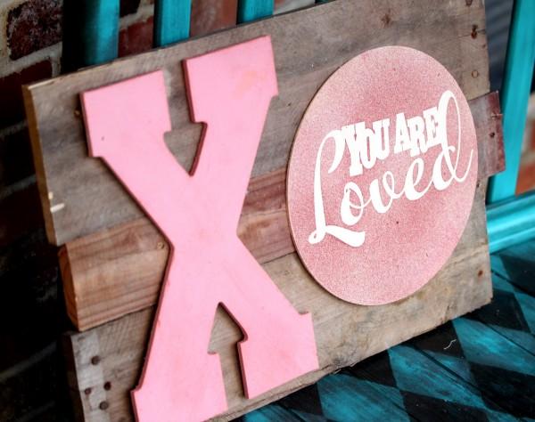 Valentine's Day Wood Pallet Art