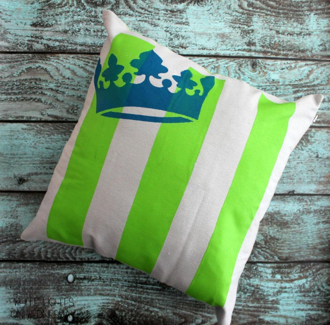 Easy DIY Striped Pillowcase #tulipforyourhome