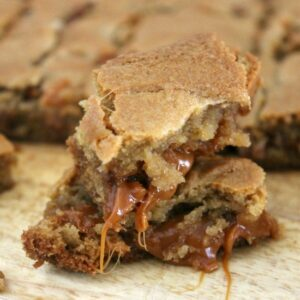 Caramel Pecan Blondies FEAT 1