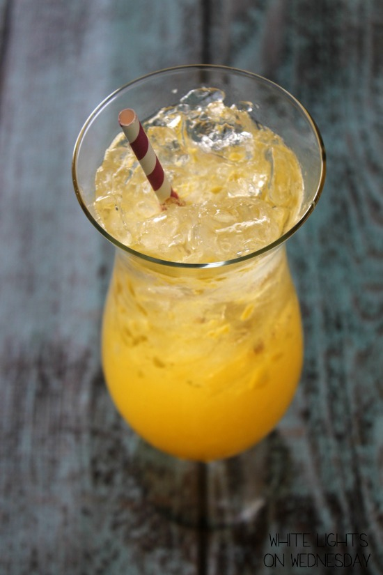 Mango Moscato Spritzers for a Crowd - White Lights on Wednesday