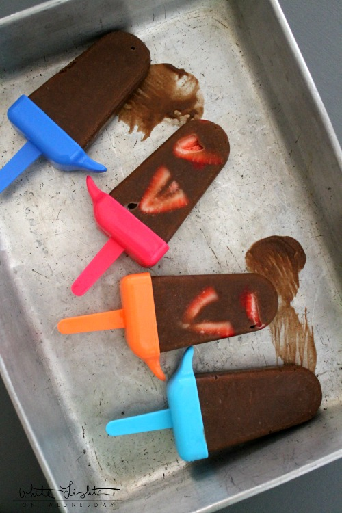 Chocolate Covered Strawberry Pudding Pops