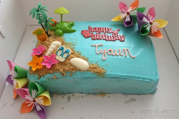 Luau Cake 7 620x413 Luau Cake Recipe   From Julie of White Lights on Wednesday