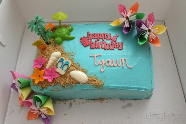 Luau Cake 8 620x413 Luau Cake Recipe   From Julie of White Lights on Wednesday