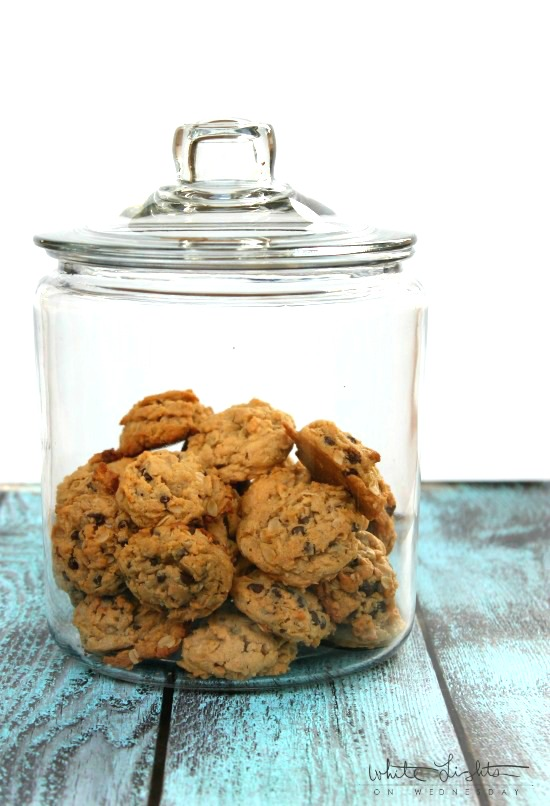 Peanut Butter Oatmeal Chocolate Chip Cookies | White Lights on Wednesday