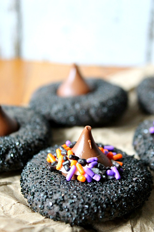 Peanut-Butter-Witch-Hat-Cookies