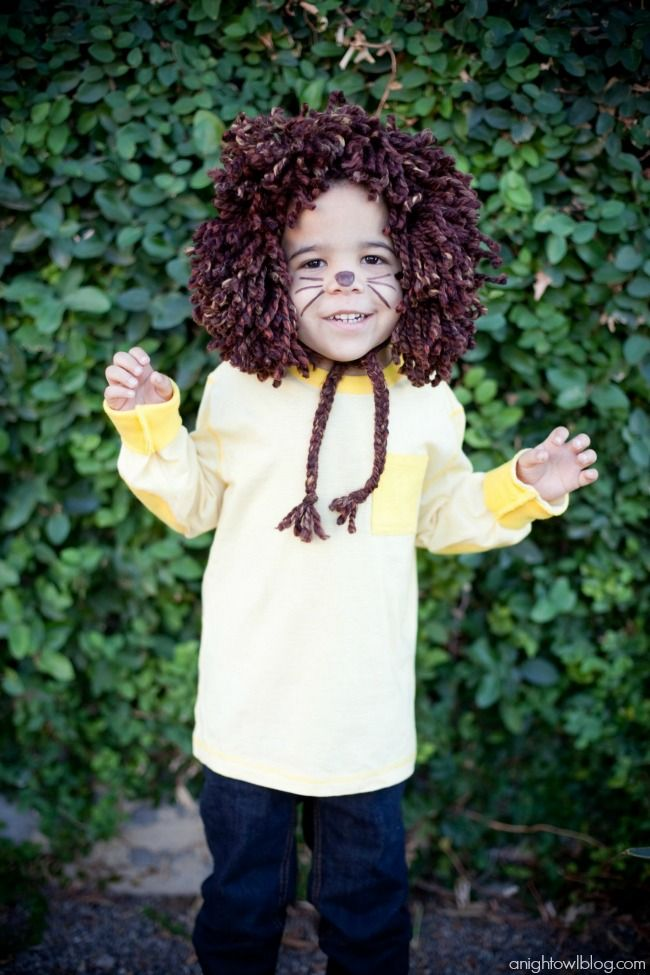 Easy No-Sew Kids Lion Halloween Costume