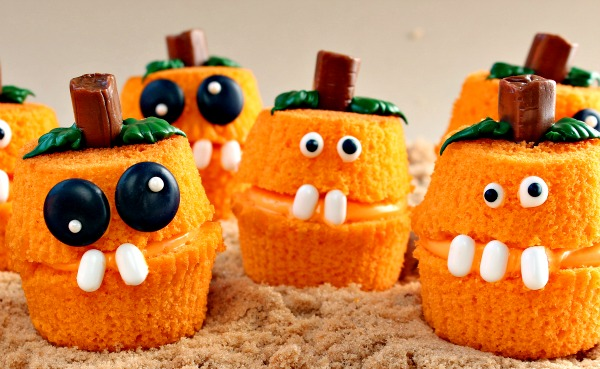 Pumpkin Patch Cupcake Poppers from The Bearfoot Baker