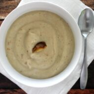 Roasted Garlic & Cauliflower Soup