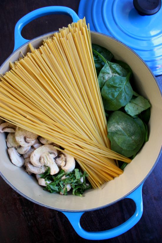 One Pot Mushroom Garlic Linguine