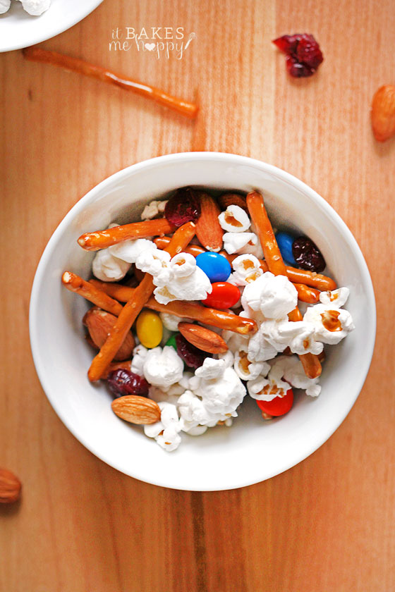 Easy No-Bake Snack Mix | White Lights on Wednesday