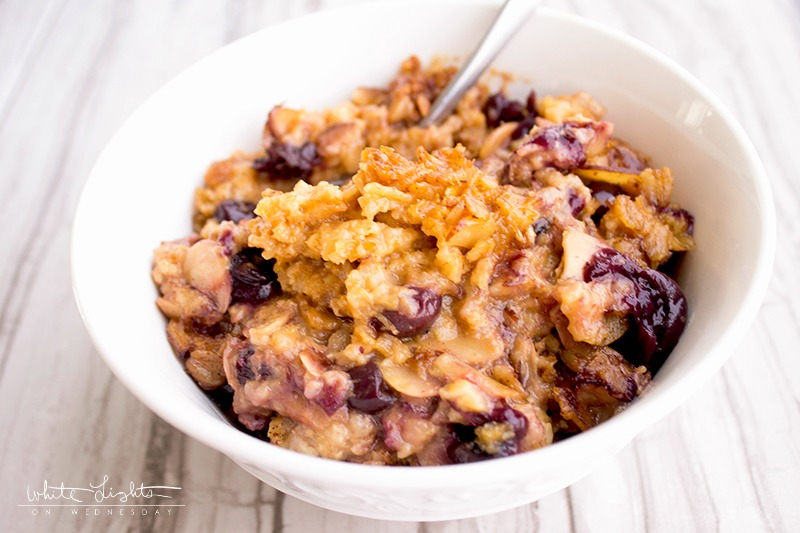 Slow Cooker Blueberry Almond Oatmeal is a healthy and delicious way to start your day!